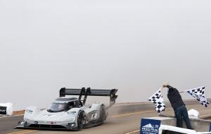 Pikes Peak: Romain Dumas explose le record de Loeb !
