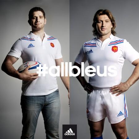 Papé et Szarzewski présentent le maillot blanc du XV de France